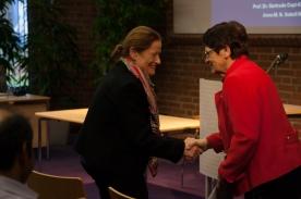 "Frau Prof. Dr. Gertrude Cepl-Kaufmann und Prof. Dr. Rita begrüßt Prof. Dr. Rita Süssmuth zum Kolloquium ""TürkeiAlmanya"""