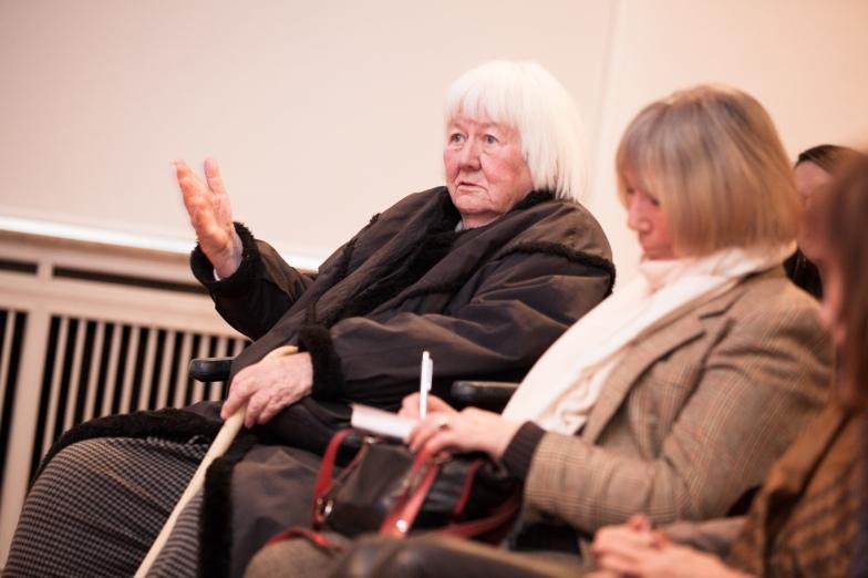 Eva Pankok, die Louise Dumont noch persönlich gekannt hat, ließt mit ihren Erinnerungen die Intendantin und Schauspielerin lebendig werden