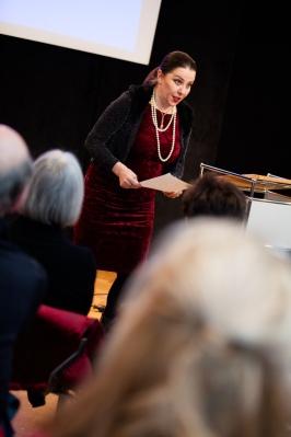 """Annette Elster bot mit Franz Kafkas """"Die Weißnäherinnen"""", vertont von György Kurtàg, eine Überraschung"""