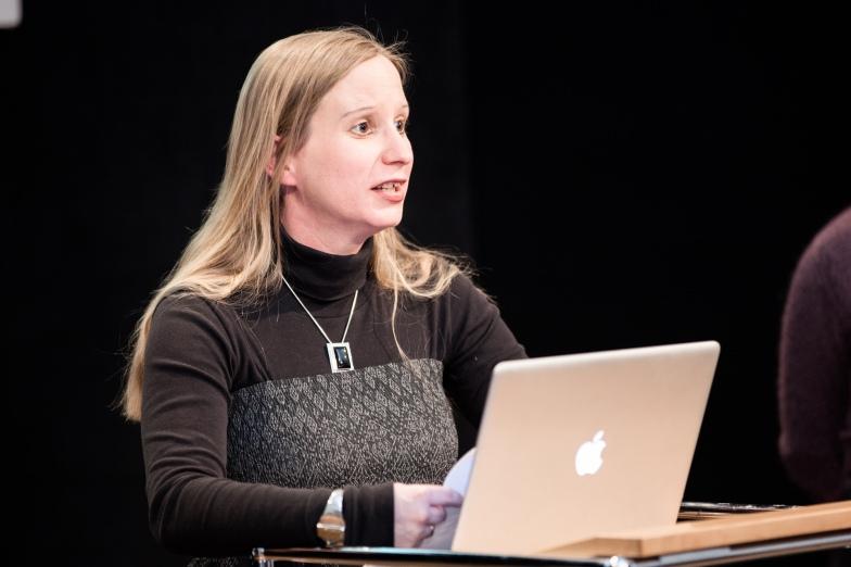 Dr. Karoline Riener nahm die Bedeutung des Internets für die Editionswissenschaft in den Blick
