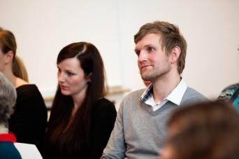"""Vanessa Peters (Projektseminar """"Louise Dumont an Gustav Lindemann) und Marius Supner, der mit seiner Firma das Programm für die digitale Edition erarbeitete (www.rheinvisuell.com)"""