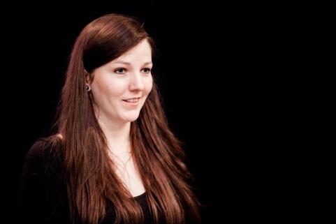 Vanessa Peters, Teilnehmerin des Projektseminars, stellte die Erkenntnisse und Entdeckungen der digitalen Edition vor